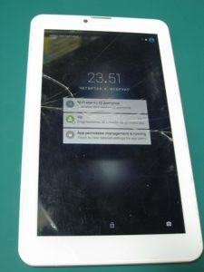 Vivax tablet polomljen touch screen